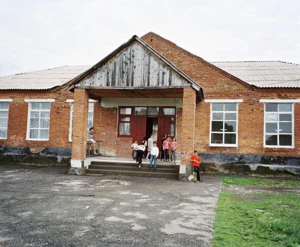 rh120629_sp2512_school